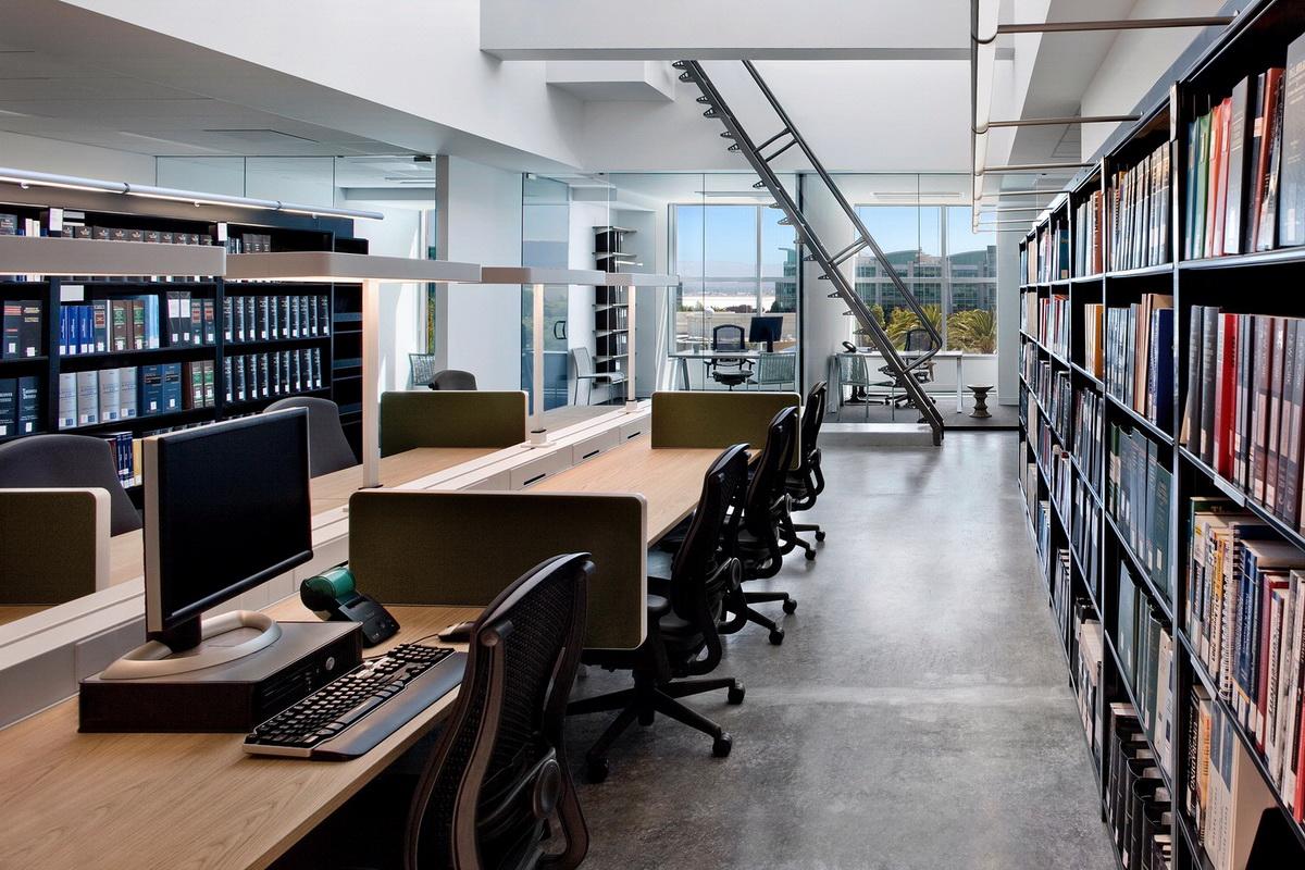 desain-interior-kantor-pengacara-3