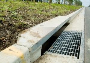 sistem drainase pada jalan raya