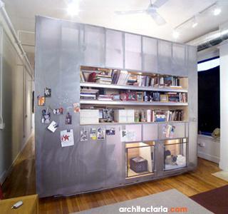 kecil menempatkan sekat antara ruang tamu dengan ruang keluarga ...