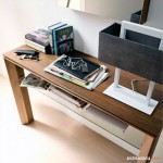 Mendekorasi dan Mempercantik Ruang Tamu Dengan Meja Konsol (Console Table)