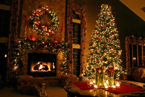 Gambar Hiasan Pohon Natal dan Lampu-lampu Yang Menambah Cantik ...