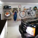 Membersihkan dan Merapikan Garasi