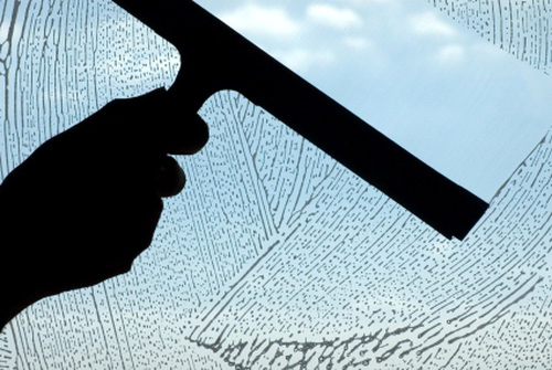 cairan pembersih kaca