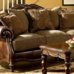 Membuat Sofa Baru Tampak Antik