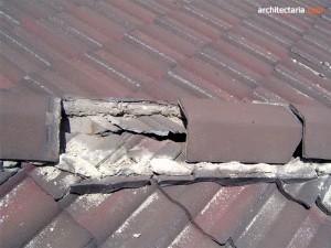 atap genteng pecah