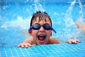 anak-anak berenang