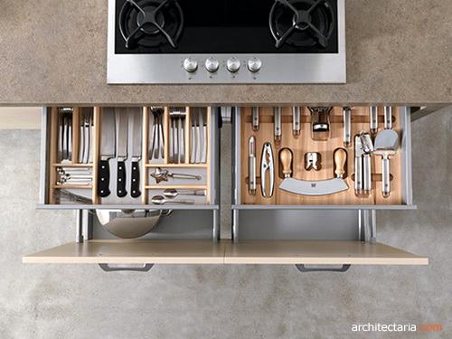 Rak Sendok Dalam Laci Dapur