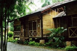 desain rumah bambu2