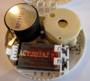 detail komponen dalam smoke detector