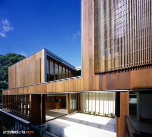 desain eksterior rumah kontemporer dengan cladding kayu