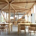 Desain Kafetaria dengan Konstruksi Kayu Non Pabrikan Karya Niji Architects, Tokyo, Jepang