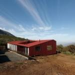 Review Desain Arsitektur WA House, Rumah Bergaya Kolonial di Chili karya Arsitek MAPA