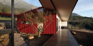 WA-House-in-Chile-by-MAPA_ss_25