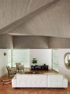 Concrete-house-by-Langarita-Navarro_10
