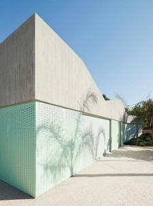 Concrete-house-by-Langarita-Navarro_4