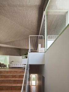 Concrete-house-by-Langarita-Navarro_7