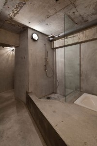 Concrete apartment_15