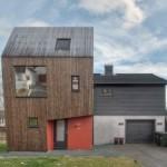 """Desain Arsitektur Rumah yang Unik dan """"Timpang""""dengan Ekstensi Vertikal karya TYIN Tegnestue"""