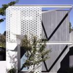 Desain Rumah yang Bersahaja dan Mengelaborasi Perforasi Batu Bata di Melbourne karya Inglis Architects