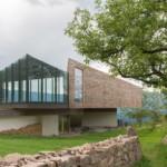 Desain bangunan Cultural Centre Elisabeth and Helmuth Uhl foundation oleh Modostudio