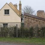 Proyek Ekstensi Wildfowl Cottage Berbalut Sirap (shingles) oleh 5th Studio