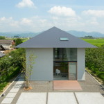 House in Ohno: Ruangan – Ruangan Berhirarki dalam Suatu Rumah Karya Airhouse Design Office