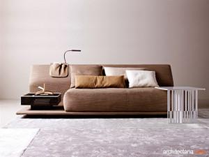 interior_ruangan_dengan_sofa