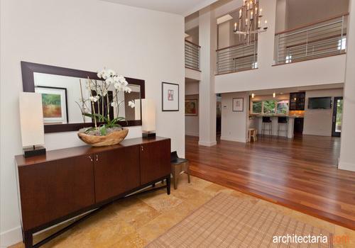 Desain Foyer Minimalis : Memanfaatkan serambi atau foyer sudut di balik pintu yang