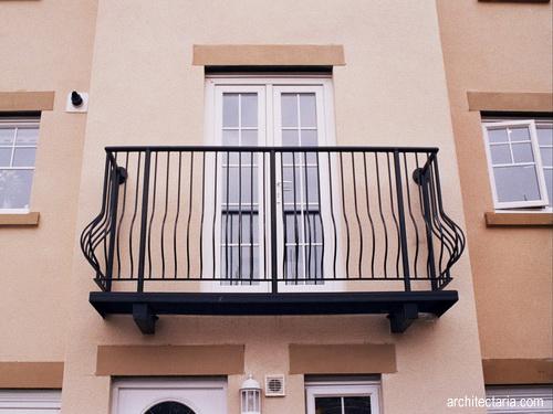 Membuat balkon tangga dan loteng yang aman bagi anak for Balcony origin