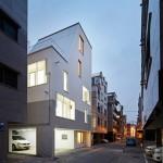 White Cone House, Apartemen Modern Minimalis dengan Pencahayaan Alami Maksimal