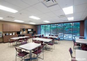 desain-interior-kantin-kantor-1