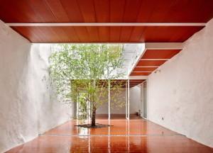 desain-rumah-spanyol-casa-luz-1