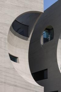 desain-gedung-concrete-concave-28