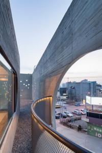 desain-gedung-concrete-concave-29