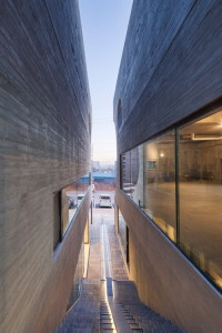 desain-gedung-concrete-concave-31