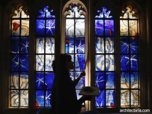 kaca-patri-atau-stained-glass-1
