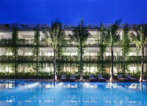 desain-taman-gantung-pada-fasad-hotel-14