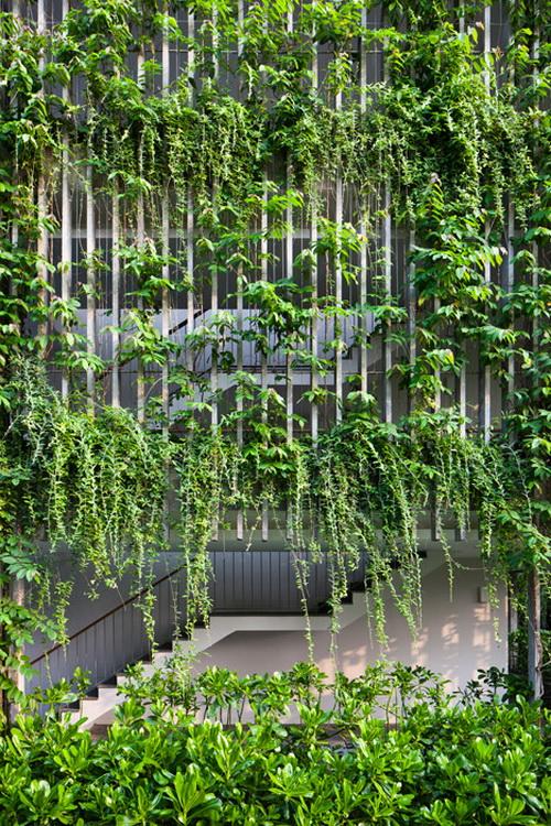 Desain Taman Gantung Pada Fasad Hotel 15