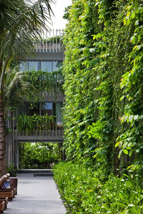 Desain Taman Gantung Pada Fasad Hotel 16