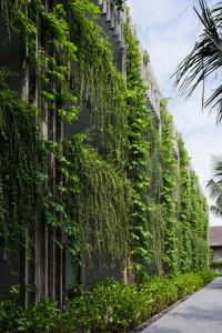 desain-taman-gantung-pada-fasad-hotel-18