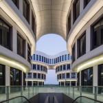 Desain Blok Perkantoran yang Terinspirasi dari Bentuk Bunga di Dekat Bandara Hongqiao Shanghai Karya MVRDV