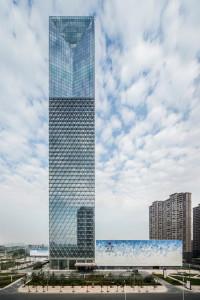glass-skyscraper-in-china-3