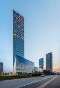 glass-skyscraper-in-china-5