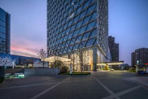 glass-skyscraper-in-china-6