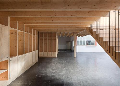 """Desain Bangunan Kayu Dengan Konsep """"rumah dalam rumah"""
