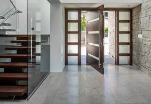 desain-pintu-depan-rumah-bergaya-modern-1