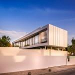 Desain Vila Mediteranian Dengan Detail Desain Yang Mengagumkan