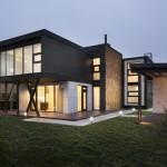 Desain Rumah Bergaya Kontemporer di Kiev Yang Menawarkan Desain Yang Terlihat Harmonis