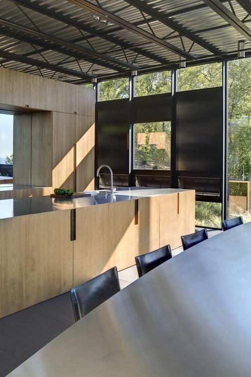 Desain Rumah Kaca Reflektif Bergaya Industrial Yang ...