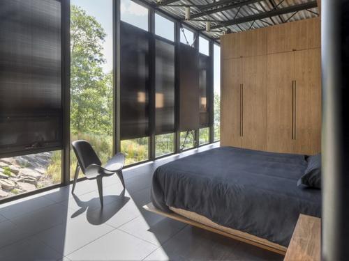 Desain Rumah Kaca Reflektif Ber A Industrial Yang